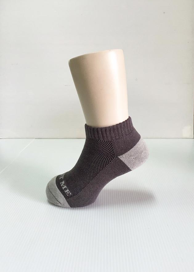 TRUST ME 兒童專屬除臭運動透氣網短襪 7
