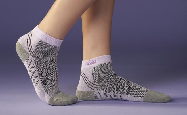 B018  asali  炭纖維運動短襪 [ 極速吸排版 ] 1